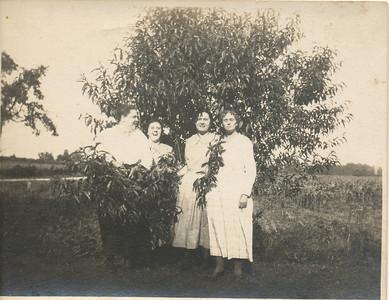 Edith, Hazel, Mary Sullivan & Mrs Ed Miller