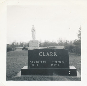 Dallas & Helen Clarks headstone