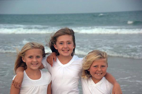 10-08 Girls at the beach