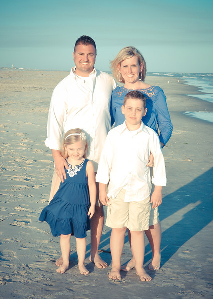 Bryce Lafoon Photography captures family vacation portraits at Sunset Beach, NC.
