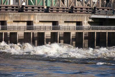 Conowingo Dam (Image taken by Sydney J. Kane on 03 Apr 2012 with Canon EOS 5D at ISO 200, f4.0, 1/1600 sec and 420mm)