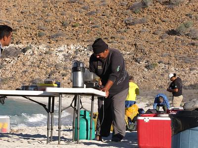 23  Alvaro is cooking second breakfast