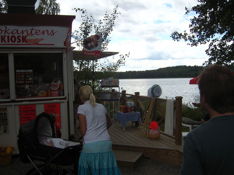 I LOVE THIS...AN ICE CREAM STAND ON THE BEACH...THOSE SWEDES ARE BRILLIANT...