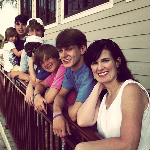Ann, Seth, Caleb, Benjie, Jared (next door neighbor), Joseph & Janie Cate<br /> June 2011