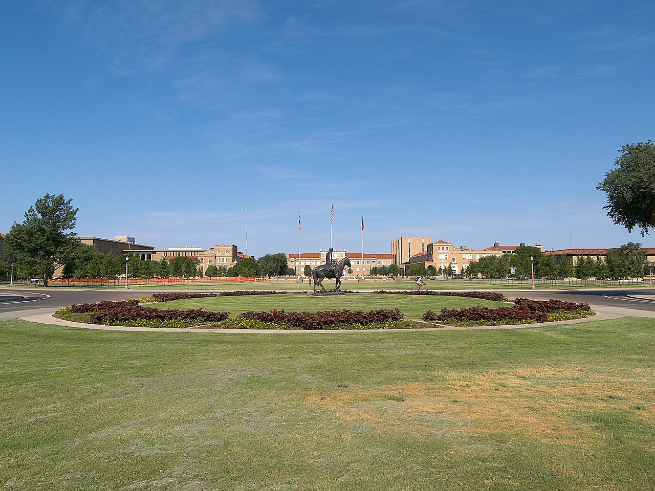View to Will Rogers Statue and beyond to administration buildings