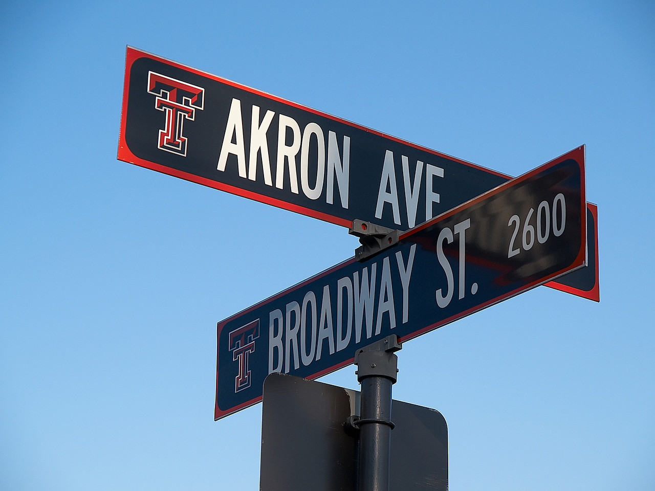 """Akron and Broadway"""