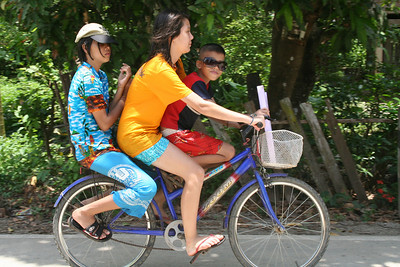 Three_on_Som's_bike_070730_300
