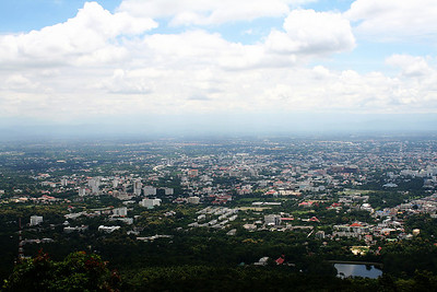 Chiang Mai from Doi Suthep 29mm (46.4mm in 35mm) August 2, 2009