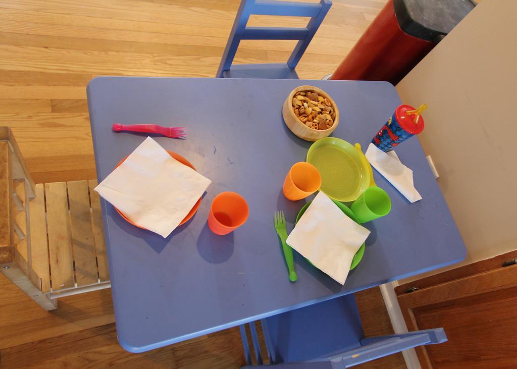 Kids' table.