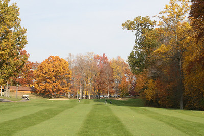 Pretty golf course in the fall