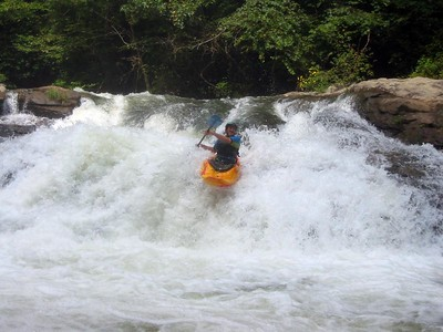 Neil hittin the Boof on Bayless on the Upper Green river