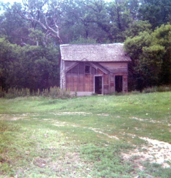 The dilapidated pioneer house at the Cottonwood House