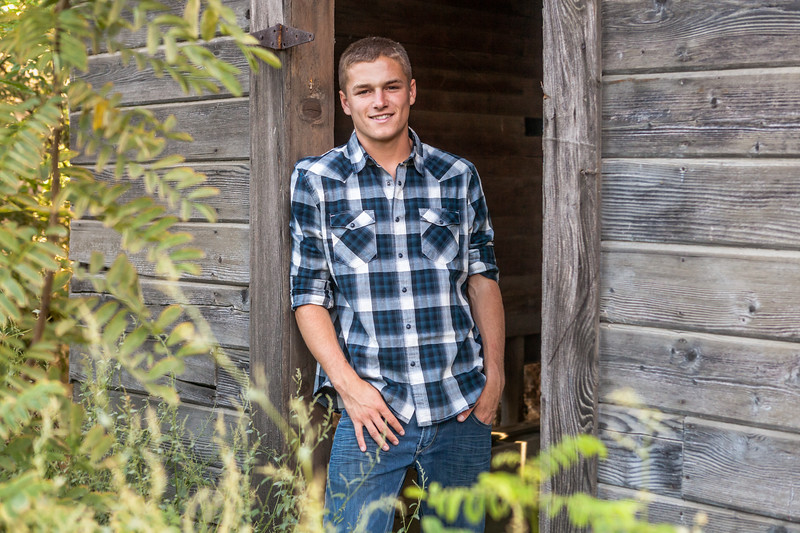 Senior Pics-1627-Edit.jpg