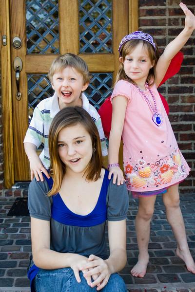 Claire, Noah & JanieCate<br /> 10/15/11