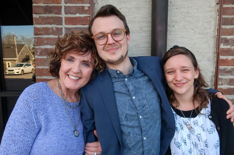Mimi, Jonah & Mia