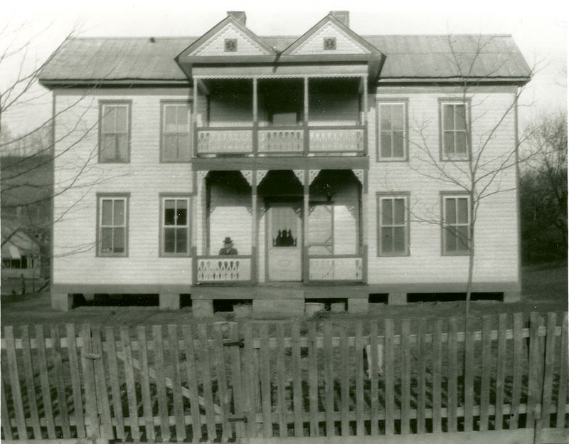 Home of Jesse and Charlotte Holbrook in Owsley County Kentucky.     circa 1915