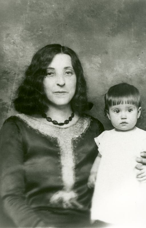 Levada Holbrook and niece Irene the daughter of Charlie and Beatrice Holbrook. circa 1929