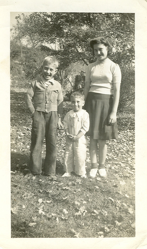 Walter Ray, Ronnie, and Irene Holbrook.