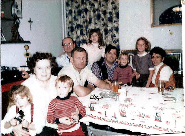 Ron's parents, sister Bobbi, Daughters Cheryl, Gayle and Wanda. Ron and sons Jim and Chris