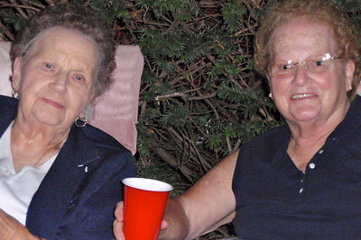 DPB - 254: Margaret Thomas (nee Bowen) and daughter Dorothy (Dottie) Patterson (nee Thomas) in summer 2008