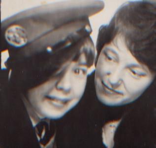 KJG-14: David Prescott Barr and Barbara Prescott Gorman wearing Jimmy Pattersons Airforce cap circa 1963