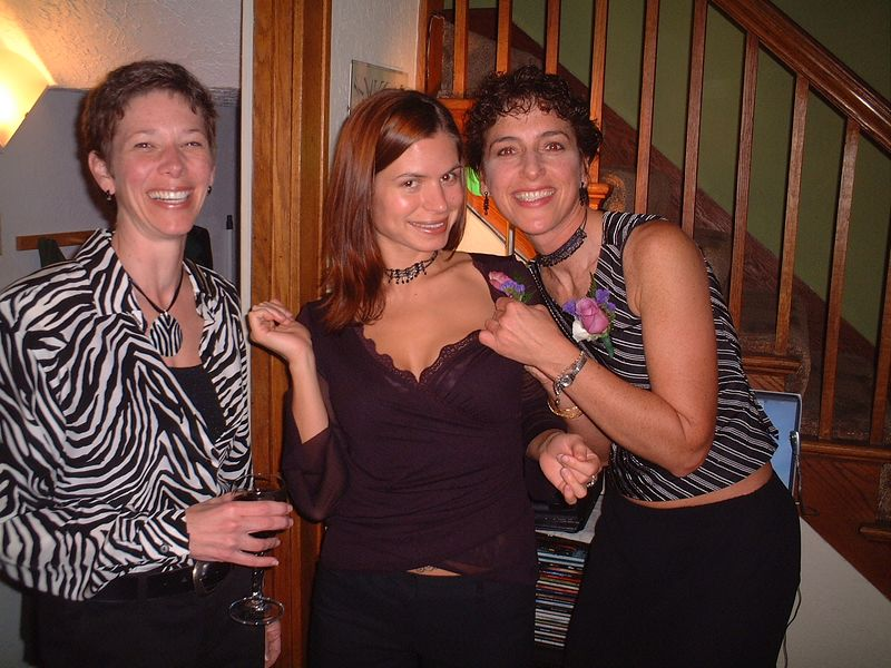 Gi with friends Eva and Edie.