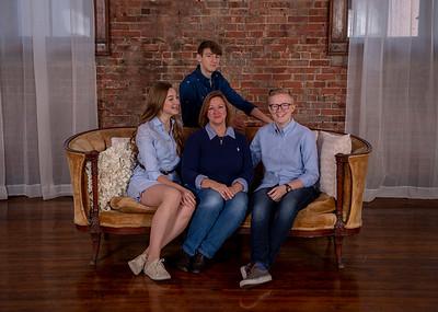 Thomas-Family-2018-001