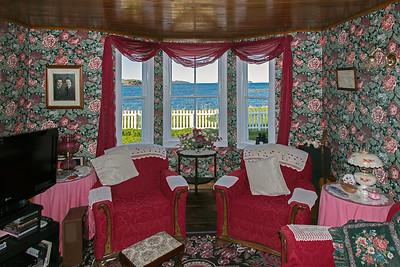 Lookin east in Tickle Inn's parlour