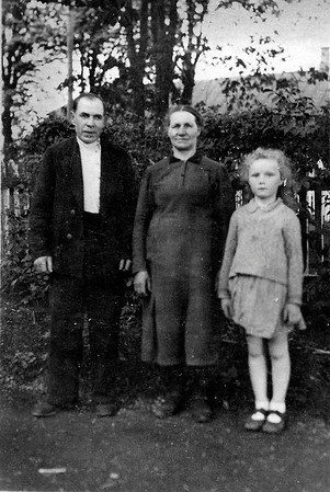 Neighbor, Berta Steinke and Lydia Todositchuk in Wolochisk, Ukraine - 1942