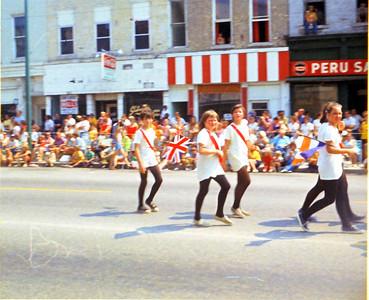 1971-72-Circus Parade, S Broadway, Peru, IN-Ramona Grant