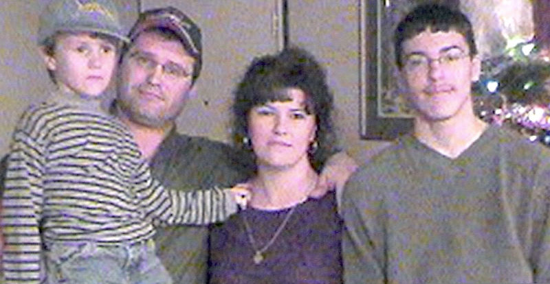 Matthew, Eddie, Angel & Jason<br /> Christmas 2002