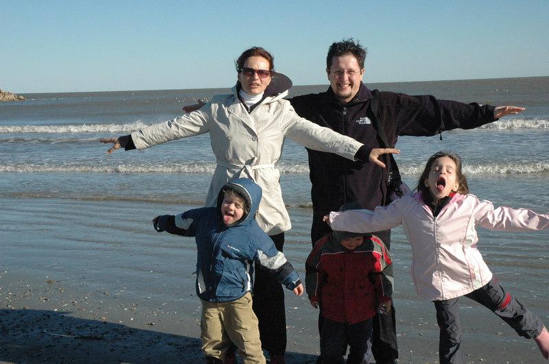 O familie de scalambaiati la Galveston, ianuarie 2006 cu Mamone (ea facea poza)