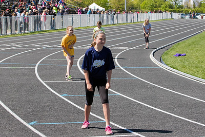 Taylor lining up for the start of 400 metre run