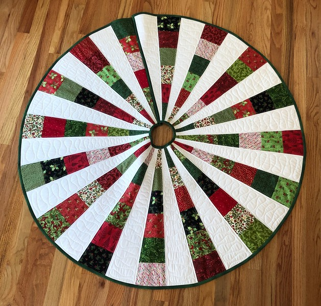 Christmas tree skirt for Stephanie