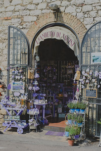 Lavender souvenir shop, Assisi