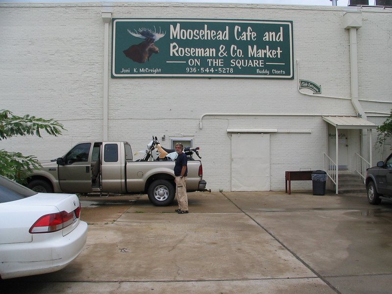 1 Lunch at the Moosehead Cafe in Crockett Texas