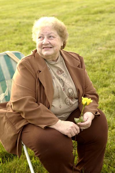 Grandma waiting for the balloon