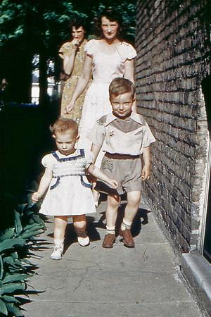 1951 Judi, Larry, Mom, El