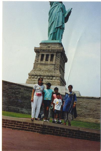us-visit-statue2
