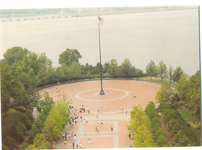 us-visit-ny-statute-liberty-terrace