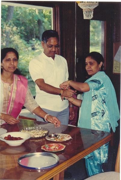 us-visit-rakhi-shashi-anu-subhash2