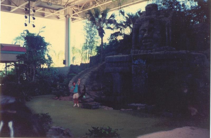 us-visit-florida-universal-animalshow2