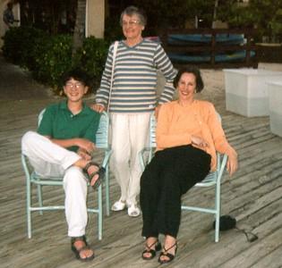 Mom Grandma Steven, carib