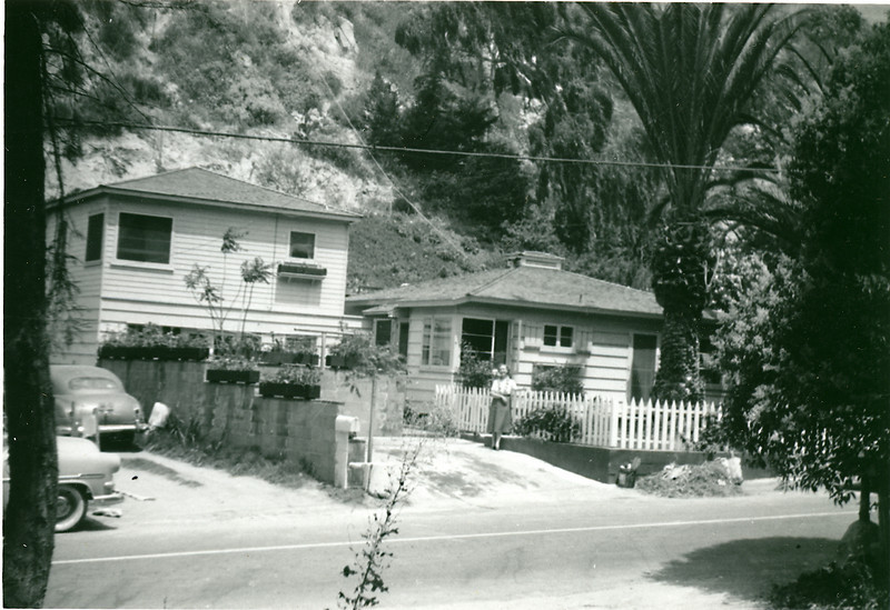 Elwood's Laguna Beach home at 474 Canyon Acres Drive, August 1956. Note Virginia Carlisle by the fence.