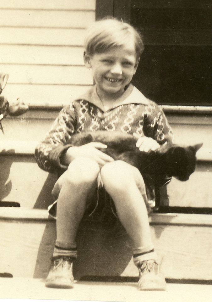 Elwood with his cat at 1612 McDaniel Street, Portsmouth, VA; maybe 1929 or 1930.