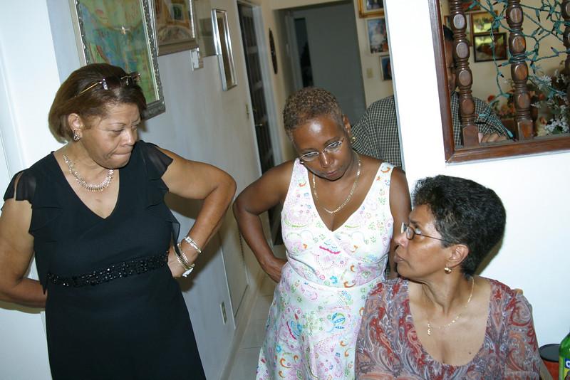 Aunt Peggy,Sharon,Carlyne