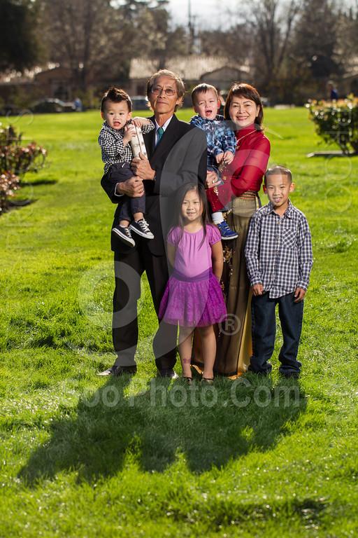 2014-02-23-uyen-family-4650