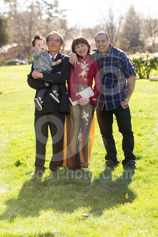 2014-02-23-uyen-family-4637
