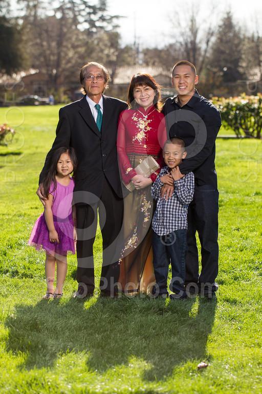 2014-02-23-uyen-family-4643