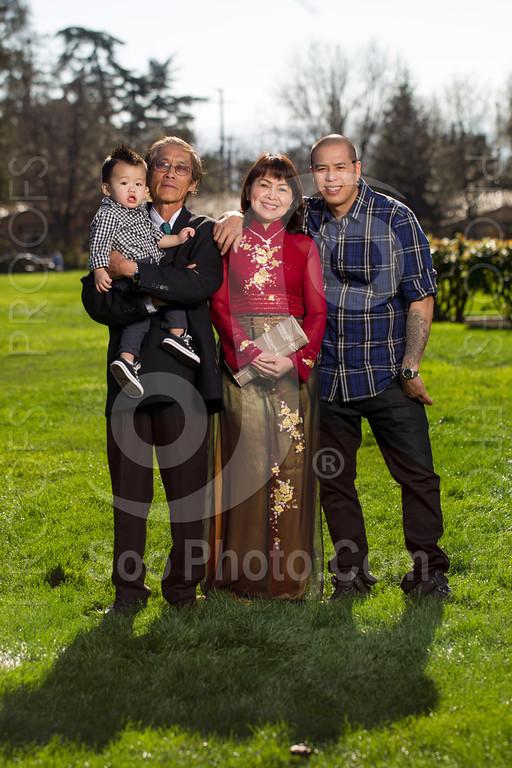 2014-02-23-uyen-family-4636